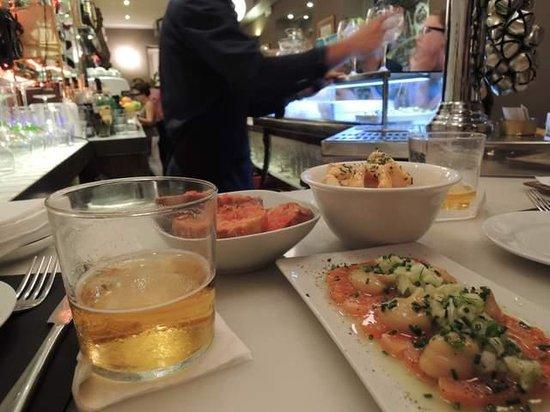 La Pepita: 料理とビール カウンターにて