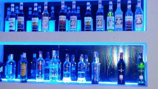 Voyage Torba : Well stocked bar