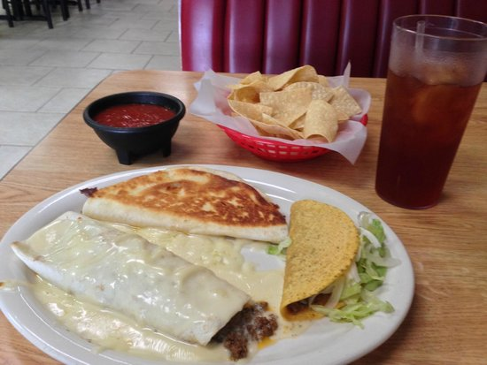 Maria's Cantina Mexican Grill : Great Lunch Specials