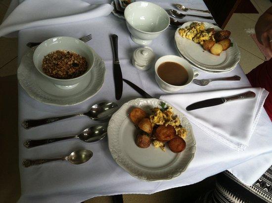 Aratinga Inn: breakfast