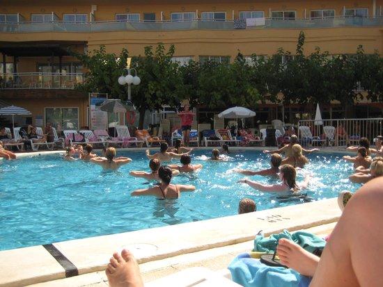MedPlaya Hotel Calypso : Aqua Gym Class with Alexander
