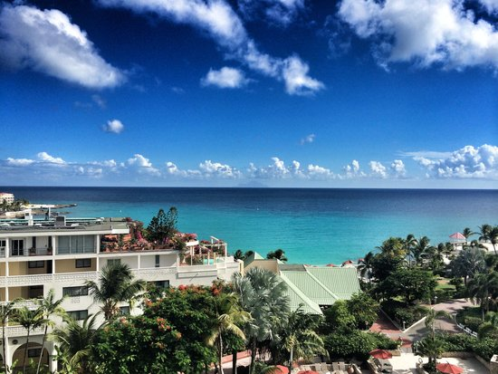 Sonesta Maho Beach Resort, Casino & Spa : View from our room (floor7)