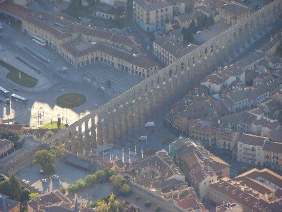 Acueducto de Segovia: El Acueducto desde el aire