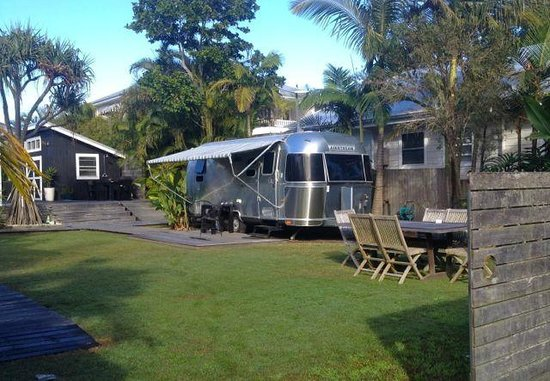 Atlantic Byron Bay : The airstream & grounds