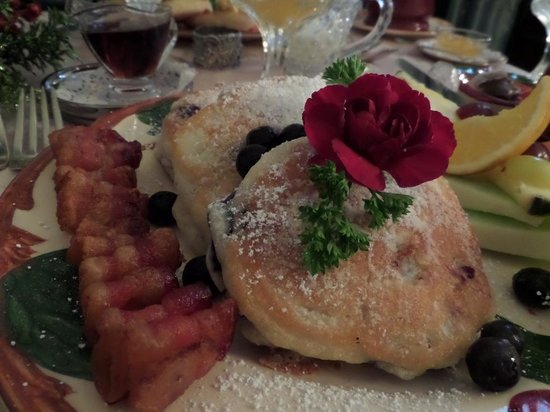 The Aerie Bed and Breakfast: yummy breakfast