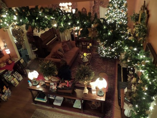The Aerie Bed and Breakfast: the living room from above, at Christmas