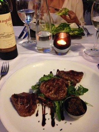 Hermosa: fillet steak salad special starter