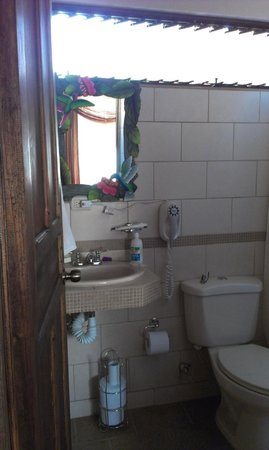 San Lorenzo Inn: Bathroom
