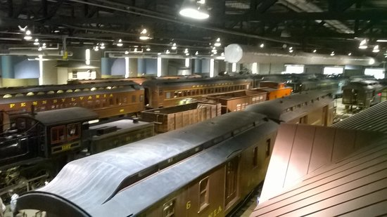 Railroad Museum of Pennsylvania : Trains, trains everywhere!