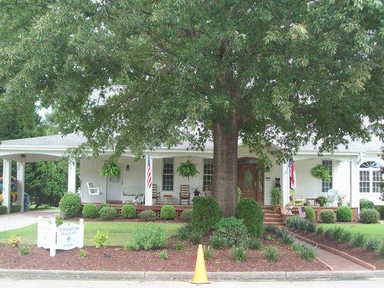 The Inn on Bath Creek: home