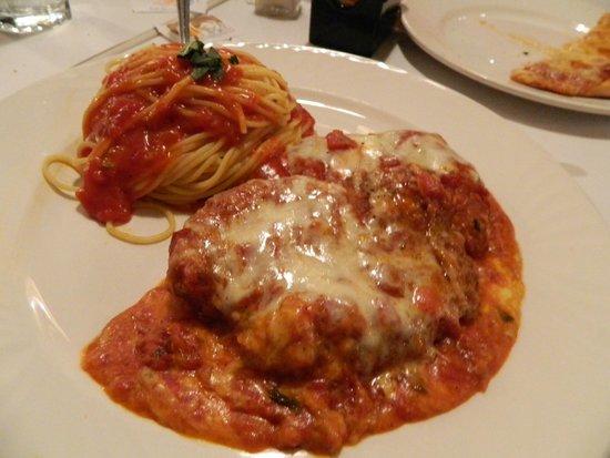 Carmine's Tuscany Grill : Chicken Parmigiana