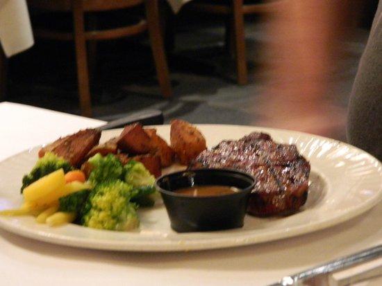 Carmine's Tuscany Grill : New York 10oz