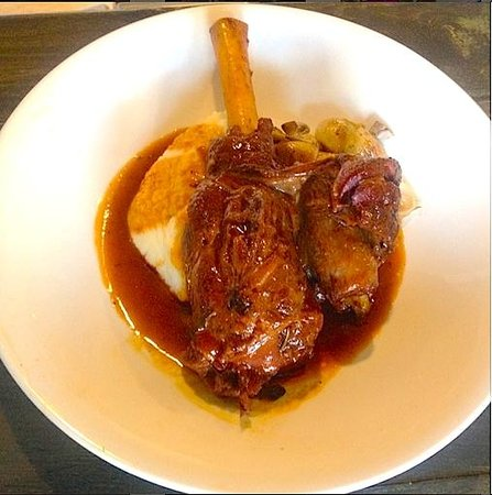 Crossings - 16 ounce lamb shank - Classic American at Crossings