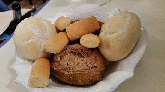 La Taverna di Via San Martino: I vari tipi di pane