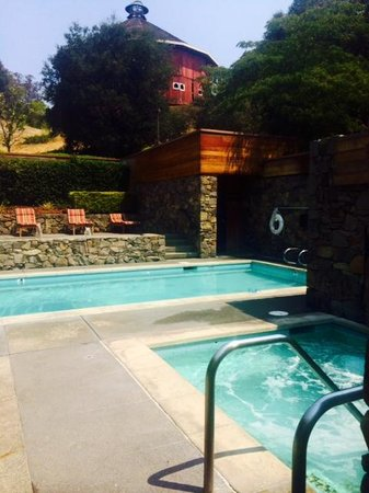 Fountaingrove Inn: Pool Area