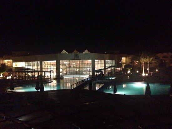 Aurora Oriental Resort Sharm El Sheikh: Pool at night <3