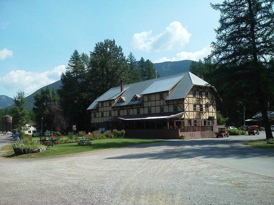 Izaak Walton Inn: The historic inn