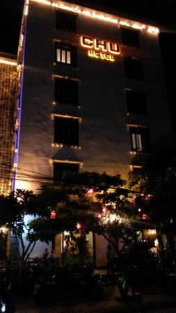 Chu Hotel Danang : Chu at night