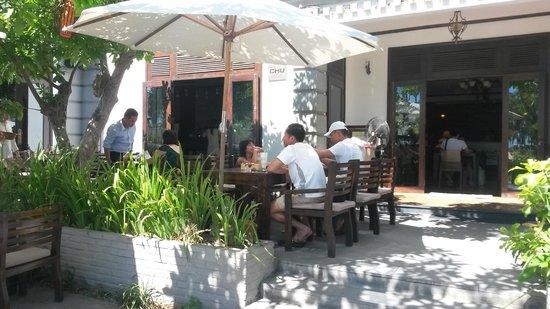 Chu Hotel Danang: Patio at Chu