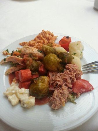 Hotel Greenland: Bit of a concoctions of salad, and yes, that's cold sprouts, they were delicious! !