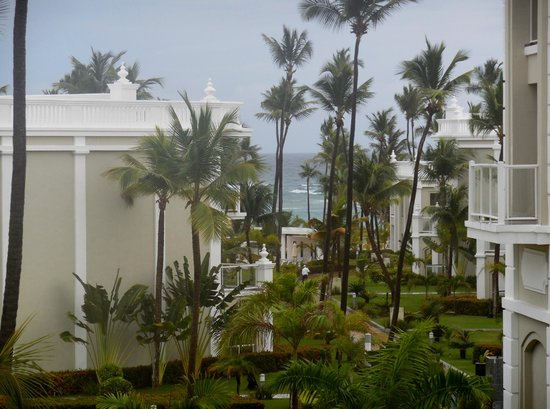 Hotel Riu Palace Bavaro: View from our first room