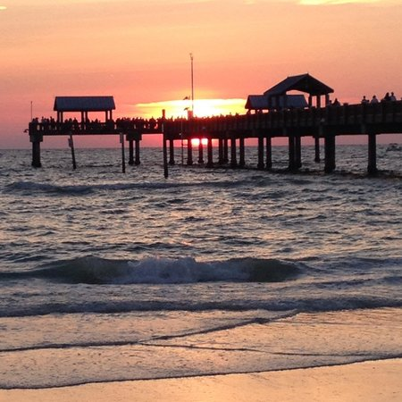Clearwater Beach: Sunset on pier