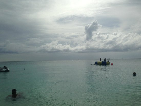 Grand Cayman Beach Suites: Storm is Approaching