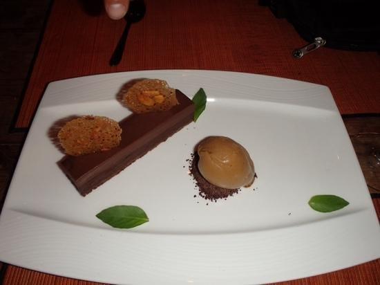"""Ginger Moon Canteen: la fameuse """" indecent chocolate tart """" et sa boule de glace au cafe"""