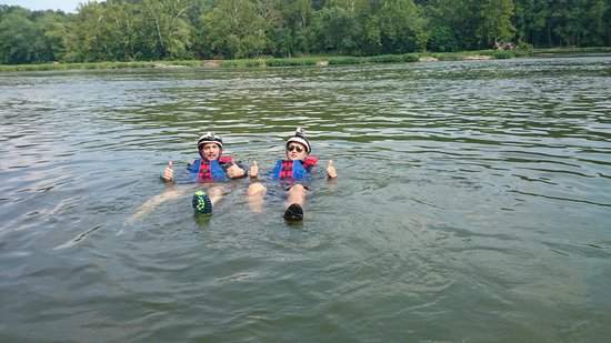Harpers Ferry Adventure Center : Enjoying the River Water