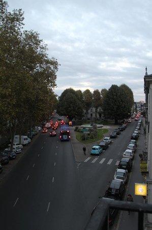 Hôtel Mirabeau : Vista desde el balcon de la habitacion