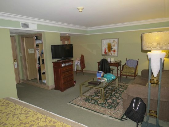 Regal Pacific Hotel: Quarto