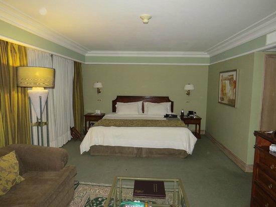 Regal Pacific Hotel: Cama