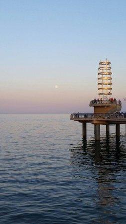 Burlington Waterfront Trail: Burlington marina pier