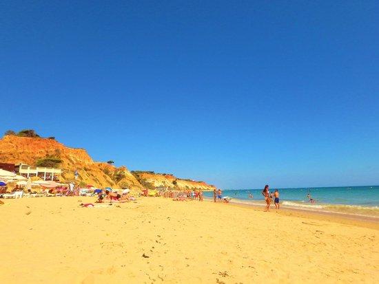 PortoBay Falesia: View on the beach
