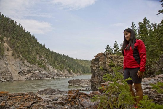 McLeese Lake, Canada: Guide near fishing rocks on Fraser River