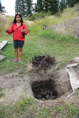 McLeese Lake, Kanada: Describing pit cooking