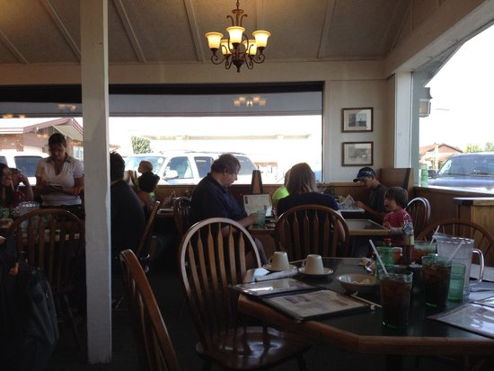 Granny's Restaurant : Granny's - interior view.