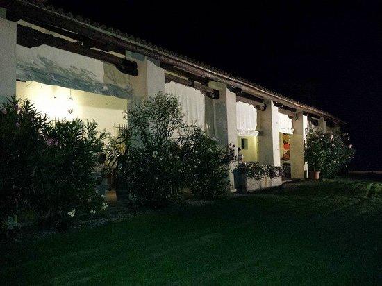 Agrimargherita: Portico dove vengono servite le colazioni, pranzi e cene