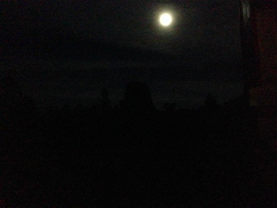 Devils Tower Lodge : Devil's Tower under the 'Super' moon!