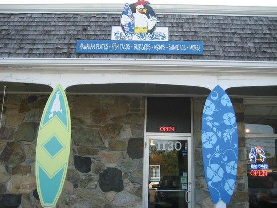 Flat Waves Food Shack: Entrance to Flat Waves