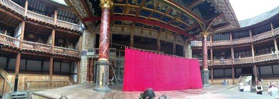 Shakespeare's Globe Theatre : Globe