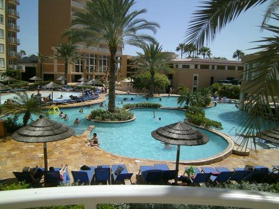 Divi Aruba Phoenix Beach Resort: Main Pool