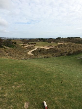 Barnbougle Dunes: Looks easy but the wind and traps will own you
