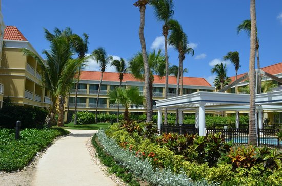 Curacao Marriott Beach Resort & Emerald Casino: view of rooms from the beach side