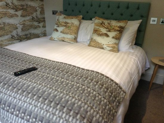 The Saracens Head: Double Bed