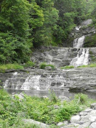 Kent Falls State Park: waterfall