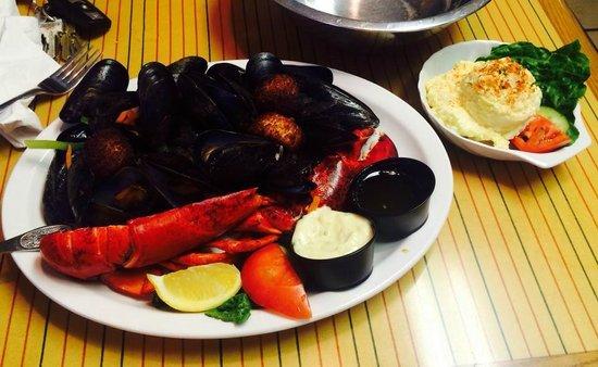 Water Prince Corner Shop and Lobster Pound : Prince Platter