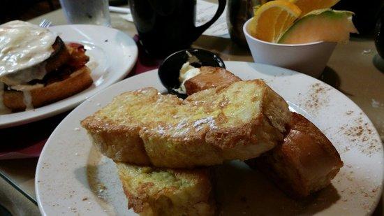Cafe Saint-Amand: French Toast