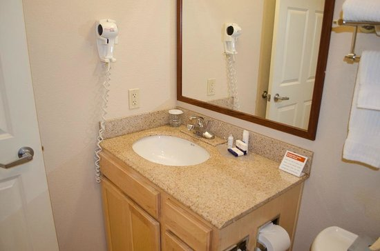 Candlewood Suites Meridian Business Center: Decent bathroom surfaces and fixtures