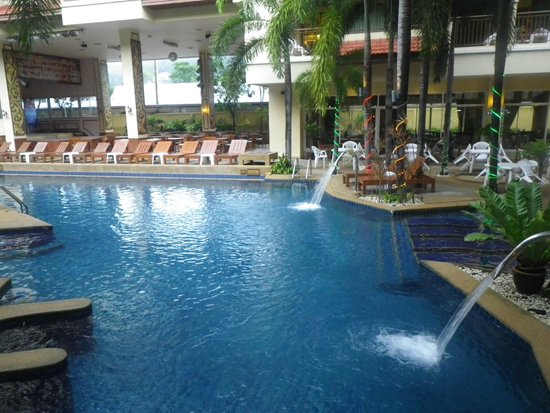 Baumanburi Hotel : Pool